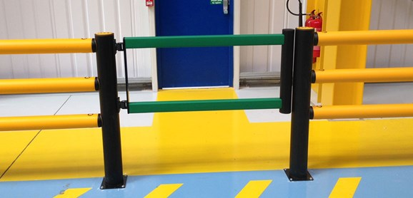 pedestrian crossing protection swing gate in warehouse