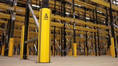 Rack leg protection in warehouse
