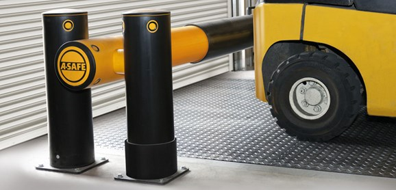 iFlex Dock Gate designed to defend dock loading bays, industrial door protection in loading bay