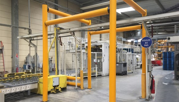 Height restrictor safety guardrail protecting building structure